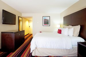 Room - Crowne Plaza Hotel Kenner