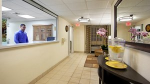Lobby - Candlewood Suites Airport Doral