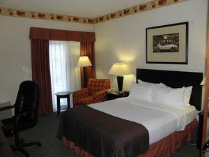 Room - Holiday Inn Cherry Hill