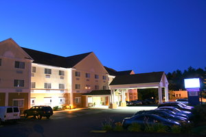 Exterior view - Holiday Inn Express Hotel & Suites Hudson