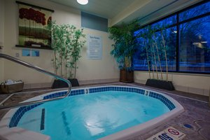 Pool - Holiday Inn Express Meadville
