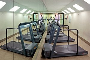 Fitness/ Exercise Room - Holiday Inn Carteret