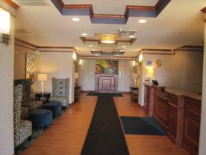 Lobby - Holiday Inn Express Hotel & Suites DuBois