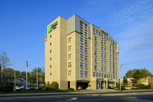 Exterior view - Holiday Inn Express Hotel & Suites Cambridge