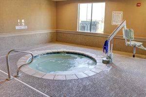 Pool - Holiday Inn Express Hotel & Suites Texarkana