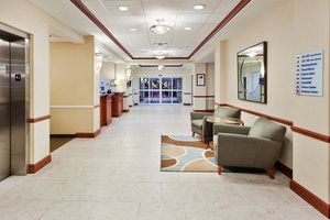 Lobby - Holiday Inn Express Hotel & Suites Baton Rouge