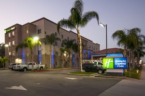 Exterior view - Holiday Inn Express Central Bakersfield