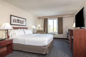 Suite - Holiday Inn Express Hotel & Suites Mt Laurel