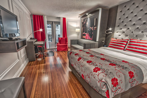 CLASSIC ROOM WITH TWO QUEEN BEDS AND BALCONY
