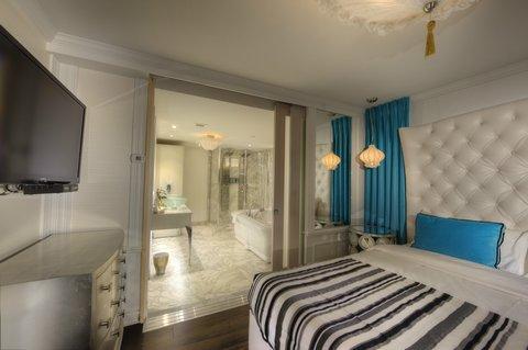 suite topaz