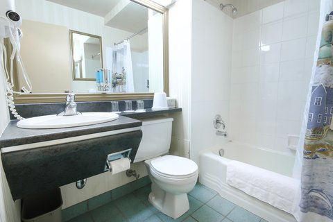 Econo Comfort room  bathroom