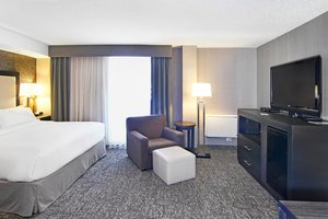 Room - Holiday Inn Express Hotel & Suites Calgary