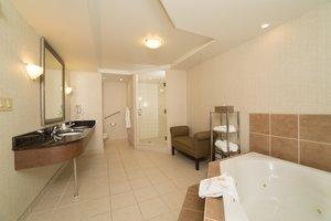 - Holiday Inn Hotel & Suites Lloydminster