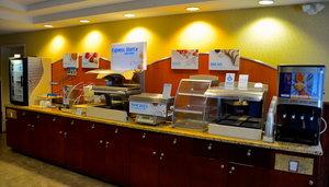 Restaurant - Holiday Inn Express Hotel & Suites Hinton
