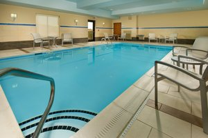 Pool - Holiday Inn Express Hotel & Suites Elkridge