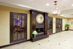 Lobby - Holiday Inn Express Hotel & Suites Chestertown