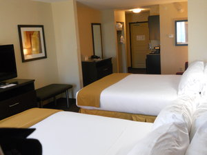 Room - Holiday Inn Express Hotel & Suites Greensburg