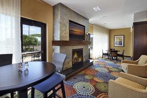 Lobby - Holiday Inn Express Colorado Springs