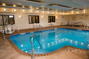 Pool - Holiday Inn Express Hotel & Suites Chanhassen