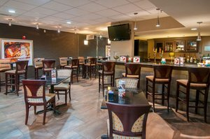 Bar - Holiday Inn Hotel & Suites Slidell