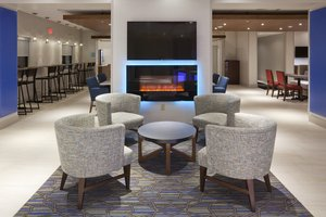 Lobby - Holiday Inn Express Roseville