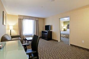 Suite - Holiday Inn Express Hotel & Suites Fort Saskatchewan