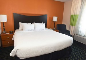 Room - Fairfield Inn by Marriott Topeka