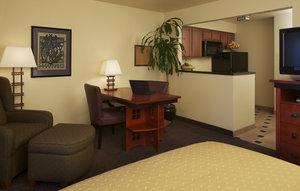 Suite - Larkspur Landing Hotel Roseville