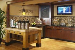 Restaurant - Larkspur Landing Hotel Roseville