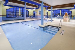Pool - Holiday Inn Express & Suites Rogers