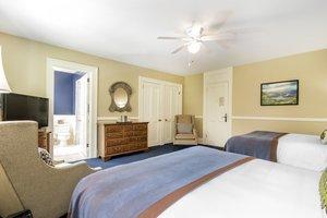 Room - Omni Bretton Arms Inn