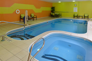 Pool - Holiday Inn Express Hotel & Suites Centerville