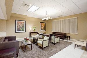 Lobby - Holiday Inn Hotel & Suites Marlborough