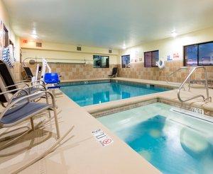 Pool - Holiday Inn Express Hotel & Suites Alamosa