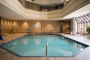 Pool - Crowne Plaza Hotel Airport Bloomington