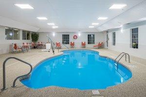 Pool - Holiday Inn Express Hotel & Suites Brattleboro