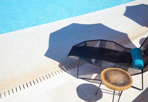 Outdoor Pool - Deck