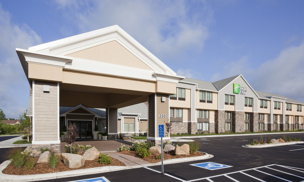 Welcome to the Holiday Inn Express & Suites in Wil