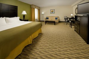 Suite - Holiday Inn Express Waldorf