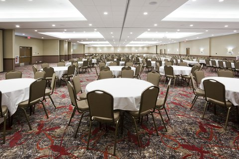 Willmar Conference Center Ballroom can hold conven