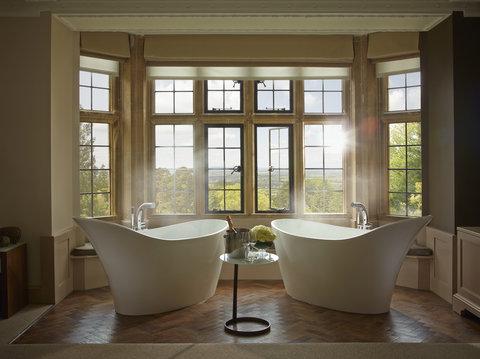 Oak Suite Bathroom