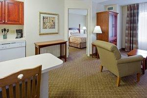 Room - Staybridge Suites Cranbury