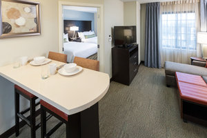 Suite - Staybridge Suites West Omaha