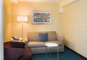 Room - Fairfield Inn & Suites by Marriott Paramus