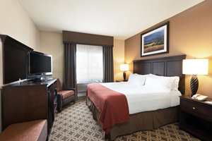 Room - Holiday Inn Express Show Low