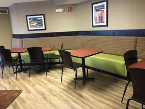 Lobby - Kelly Inn 13th Avenue Fargo