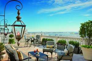 Suite - Ritz-Carlton Hotel New Orleans