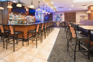 Bar - Holiday Inn Hotel & Suites Trinidad