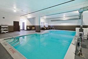 Pool - Holiday Inn Middletown