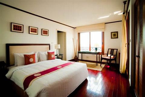 689831 Guest Room